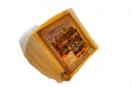 cuña-queso-de-oveja-con-aceitunas