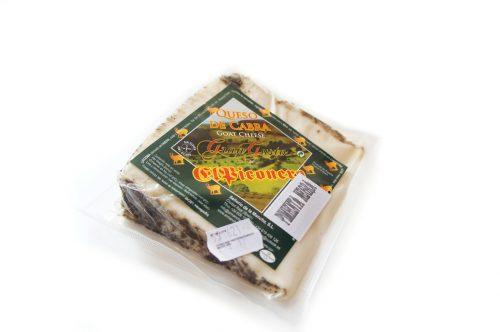 cuña-queso-de-cabra-a-la-pimienta